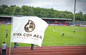 Die Viva Con Aqua Allstars beim Fussball (c) Steffen Wolff